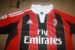 AC-Milan-home-2012-2013-kw-import_00